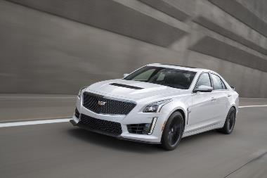 8. 2019-Cadillac-CTS-V_front_left